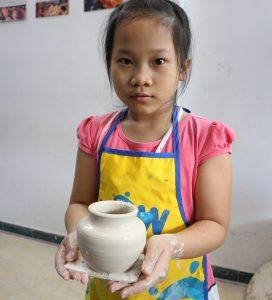 Tác phẩm gốm của bé (sử dụng bàn xoay)